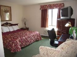 Golden Circle Inn & Suites