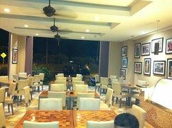 10AM Cafe