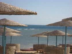 stranden lugnt och skönt och gratis sängar:-)