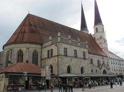Sankt Phillipp und Jakob (Stiftspfarrkirche)