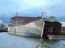 USS LST 393