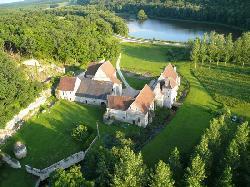 Chateau-monastere de la Corroirie