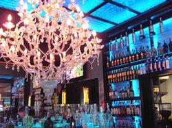 Metropolitan Cafe Lounge