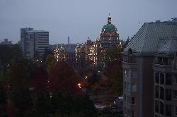 BC州議事堂のライトアップ