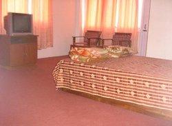 Hotel Hill Retreat