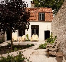 Canal Deluxe B&B