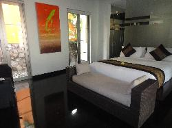 Pool Villa bed!