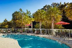 Holiday Inn Express Charleston Outdoor Pool