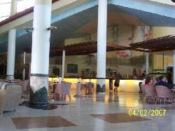 Hotel Lobby - Bar - Large Sitting Area