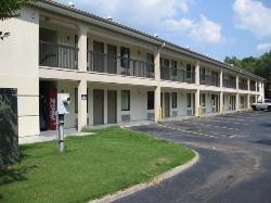 Country Hearth Inn - Decatur
