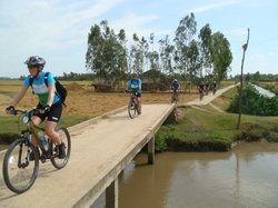 Vietnam Cycle Day Tours - Le Vietnam Travel Private Day Tours