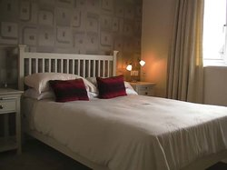 Rowan House Bed & Breakfast