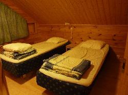 Large Immelmokit cabin-upstairs bedroom