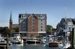 The Salem Waterfront Hotel & Suites