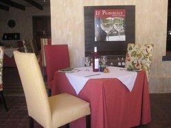 Le Pommier wine estate & leisure