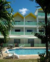 Tropical Sunset Beach Apartment Hotel