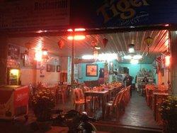 Khuyen Trang Cafe