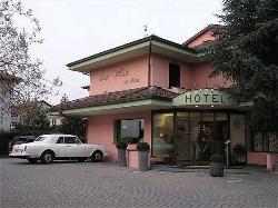 Ni Hotel La Villa