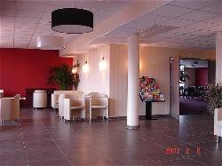 Grand Est Hotel