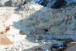 Carrara, cava di marmo in attività
