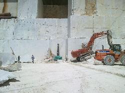 Carrara, lavoro in cava