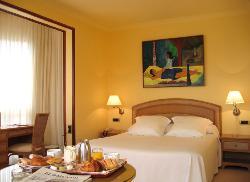 Las Rocas Playa Hotel