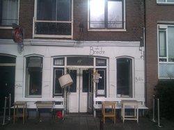 Cafe Brecht