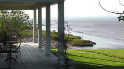 Cresthaven By The Sea , A Waterfront B&B