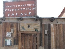 Pappy & Harriet's Palace