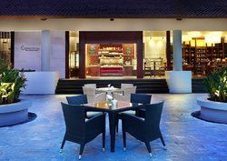 Cornerstone Deli at The Laguna, a Luxury Collection Resort & Spa