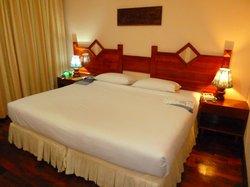 Phousi Hotel