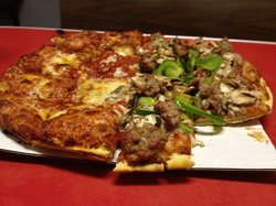 Tommy's Pizza - 174 W Lane Ave
