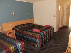 Tandara Hotel Motel