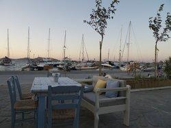 Mediterraneo Taverna Ouzerie