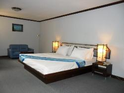 Room at Royal Garden Inn, Bangkok