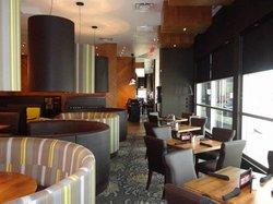 Moxie's Courtneypark Grill & Bar