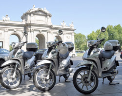 Mooting, Madrid by Scooter