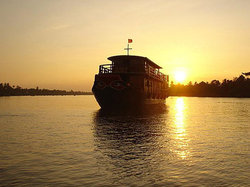 One day tour with Mekong Emotion Cruise