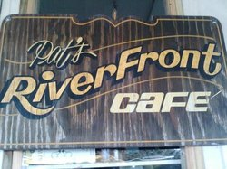 Pat's Riverfront Cafe