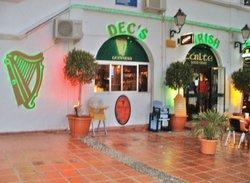 Decs Irish Bar