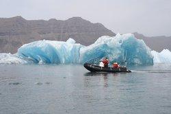 充气船艇冰湖旅行
