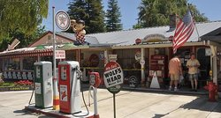 Reiffs Gas Station Museum