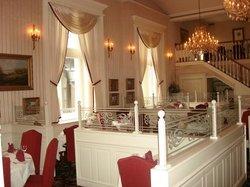 Laury's Restaurant