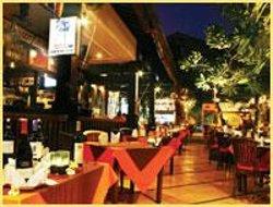 Sendok & Bar Restaurant