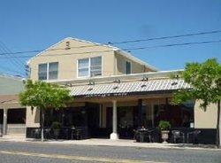 Johnny's Cafe & Bar