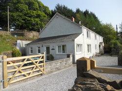 Tan yr Eglwys Cottages