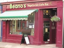 ‪Beano's Vegetarian Cafe Bar‬