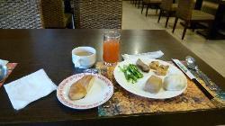 ブッフェでの朝食