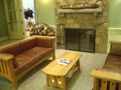 a waiting area just outside the dining room