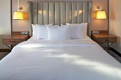 Hilton King Bed